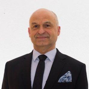Radek Hénik, Broker Consulting